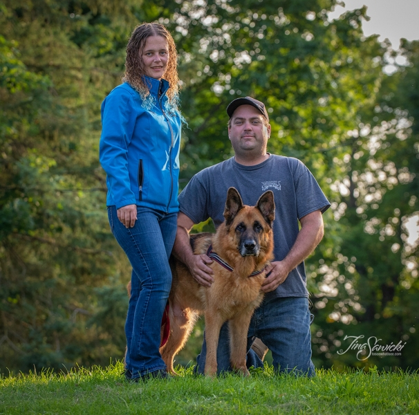 071A7328-standingfamily